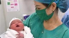 Chuyện hiếm gặp: Bé sơ sinh nặng 6,1 kg ở Quảng Ninh