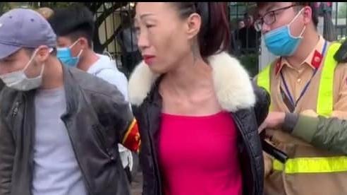 Hà Nội: Bắt quả tang 'người mẫu' giấu ma túy trên người