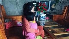 Bé gái bị hàng xóm xâm hại: Chiếc dép rơi trước cửa