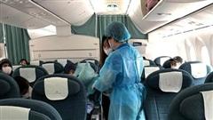 Vietnam Airlines đón 12 công dân người Việt mắc kẹt tại Nhật Bản do dịch COVID-19 về nước