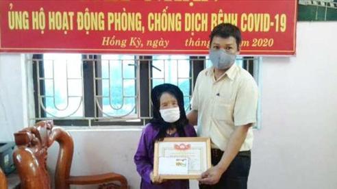 Huyện Sóc Sơn: Mẹ Việt Nam Anh hùng 100 tuổi ủng hộ tiền chống dịch Covid-19