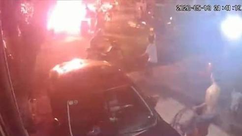 Bắt 4 kẻ ném 'bom xăng' vào nhà dân khiến 2 cháu bé bị bỏng nặng, truy bắt tiếp 4 nghi can còn lại