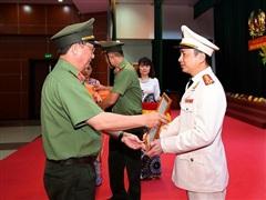 Bổ nhiệm Phó chánh Thanh tra Bộ Công an, Giám đốc Công an Hòa Bình
