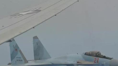 Hải quân Mỹ tố tiêm kích Su-35 Nga chặn máy bay do thám của nước này suốt 1 giờ