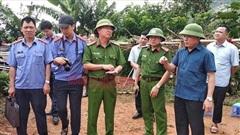 Nóng: Người đàn ông lao vào chém 2 vợ chồng ở Điện Biên, 3 người tử vong