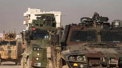 Nổ lớn trên cao tốc M4 tại Idlib, đoàn xe Thổ Nhĩ Kỳ trúng bom, sơ tán gấp binh sĩ bằng trực thăng