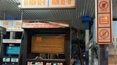 Găm 20 ngàn lít trong bồn không bán cho dân, cây xăng Hà Nội bị xử lý