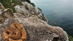 Hòn đảo cấm con người đặt chân đến bởi có hàng nghìn con rắn cực độc cùng những cái chết bí ẩn không lời giải đáp