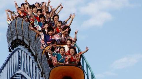 Chơi tàu lượn siêu tốc sẽ không được... la hét khi công viên giải trí ở Nhật Bản mở cửa trở lại