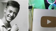 4 năm sau ngày mất, Đạt Cỏ - 'bản sao Tuấn Hưng' một thời đã đạt được ước mơ có nút bạc YouTube