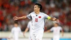 Văn Quyết sánh vai Park Ji Sung, lọt top những tiền vệ hay nhất châu Á