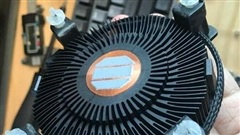 Intel 'remaster' tản stock với màu đen thanh lịch, sử dụng lõi đồng, TDP 80W