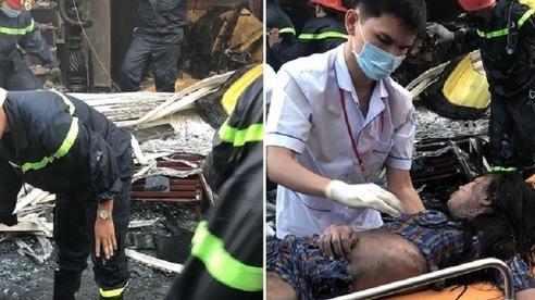 7 người mắc kẹt, kêu cứu trong căn nhà bị tường lửa bao vây ở Sài Gòn
