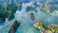 Tài tử 'Titanic' ca ngợi Vịnh Lan Hạ của Việt Nam mang vẻ đẹp của thiên đường