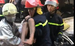 Cứu 7 người trong căn nhà bốc cháy ở Sài Gòn: Một người tử vong, con gái nạn nhân còn nằm viện