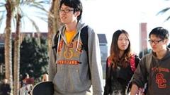 Tổng thống Trump cảnh báo hủy visa của sinh viên cao học Trung Quốc
