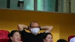 Thầy Park bật cười vì pha bỏ lỡ khó tin của Thành Chung