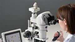 Tin tức đời sống mới nhất ngày 1/6/2020: Cô gái test mỹ phẩm dưới kính hiển vi khiến dân mạng 'ngả mũ thán phục'