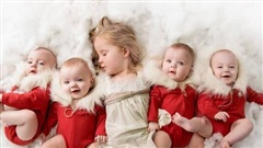 Lịm tim trước vẻ xinh xắn, đáng yêu của 4 bé gái trong ca sinh tư nổi tiếng thế giới