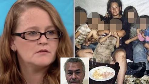 Bị cha dượng bắt cóc và xâm hại từ năm 12 tuổi, cô gái sống trong địa ngục cùng 9 đứa con
