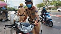 Mỗi ngày ở TP HCM gần 1.000 người vi phạm khi CSGT được dừng xe không cần lý do