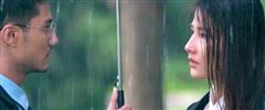 Hậu trường hài hước cảnh Diễm My ôm Thanh Sơn Khóc trong mưa