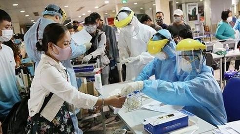 Người đi đường mòn từ Trung Quốc vào Việt Nam xét nghiệm âm tính Covid-19