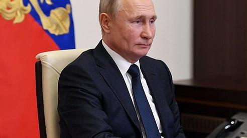 Ổn định Covid-19, Tổng thống Putin quay lại dự án quyền lực