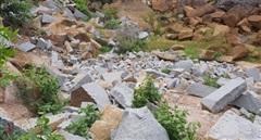 Nhóm đối tượng chuyên khai thác đá trái phép núi Bà Đen