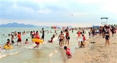 Quảng Ninh hút khách du lịch trở lại