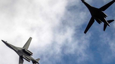 Mỹ điều máy bay ném bom B-1 thị uy Trung Quốc, Nga