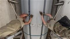B-1B Lancer khoe vũ khí mới khi bay gần Nga