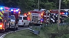 Trộm xe hơi của ông bà lái đi chơi, hai bé trai 6 và 7 tuổi chết thảm