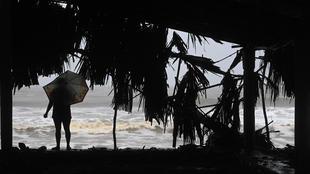 Bão Cristobal gây gió giật nguy hiểm vận tốc 65km/h ở Vịnh Mexico
