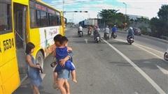 Tài xế xe buýt Tam Kỳ - Đà Nẵng coi thường tính mạng khách bị xử phạt