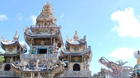 Vãn cảnh ngôi chùa lập 11 kỷ lục Việt Nam
