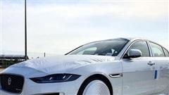Jaguar XE 2020 đầu tiên cập cảng Việt Nam, hé lộ những trang bị hiện đại đấu Mercedes-Benz C-Class và BMW 3-Series