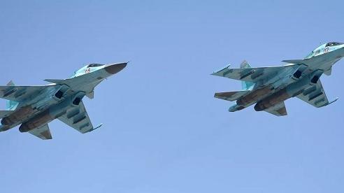 Cận cảnh tiêm kích Su-34 của Nga thả bom xuyên bê tông
