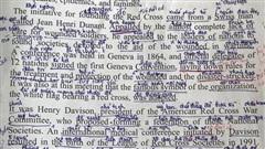 Trang sách chi chít toàn chữ là chữ, nhìn phát biết ngay dân chuyên nào?