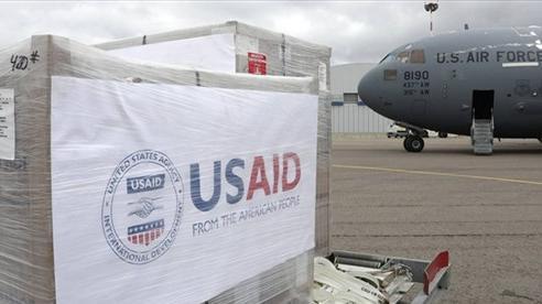 Mỹ sốt sắng chuyển máy thở đến Nga