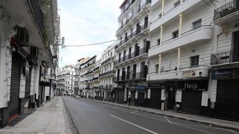 Algeria nối lại các hoạt động kinh tế, thương mại và dịch vụ từ ngày 7/6