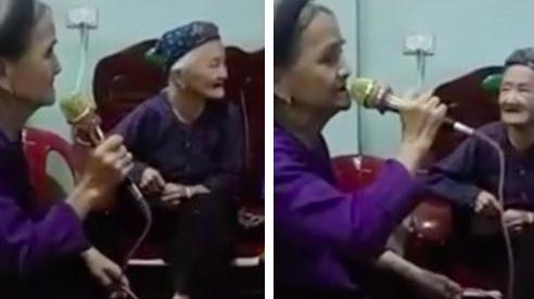 Video: Cụ bà U90 hát karaoke khiến ai cũng phải 'dè chừng' vì chất giọng quá 'chất'