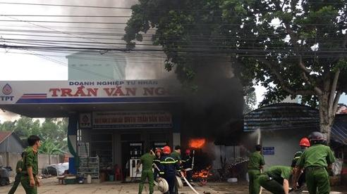 An Giang: Cháy xe bồn chở xăng, 1 người chết, 2 người bị bỏng nặng
