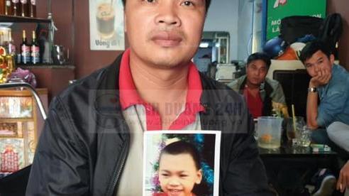 Bố của bé tắm mưa bị mất tích ở Bình Dương: 'Ước gì con trai tôi bị bắt cóc'