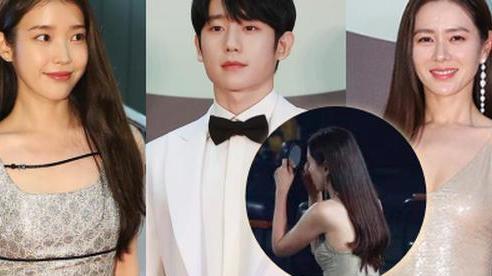 3 khoảnh khắc hot nhất Baeksang 2020: Son Ye Jin 'bận' kẻ chân mày nên ngó lơ Jung Hae In, IU 'chung mâm' đàn chị đình đám