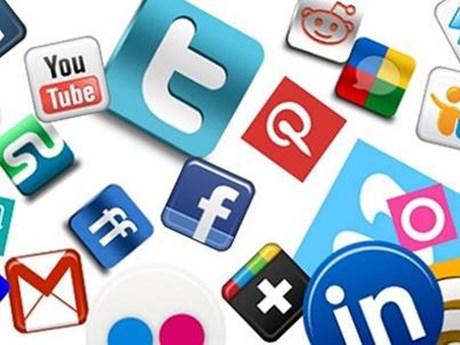 Kiểm điểm trước dân cặp vợ chồng lên mạng xã hội bình luận kích động