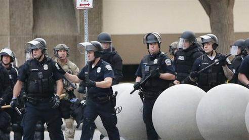 Mỹ triển khai cảnh sát chìm đối phó người biểu tình tại Washington