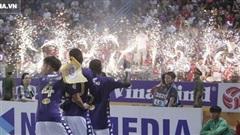 Người cũ Rimario dính thẻ vàng vì màn ăn mừng 'dị', CĐV HAGL có hành vi lạ sau bàn thua