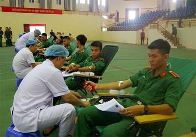 Tuổi trẻ Trường Sĩ quan Lục quân 1 hiến máu tình nguyện