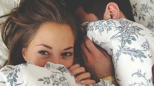 Vợ chồng có nên ngủ nuy hay không?